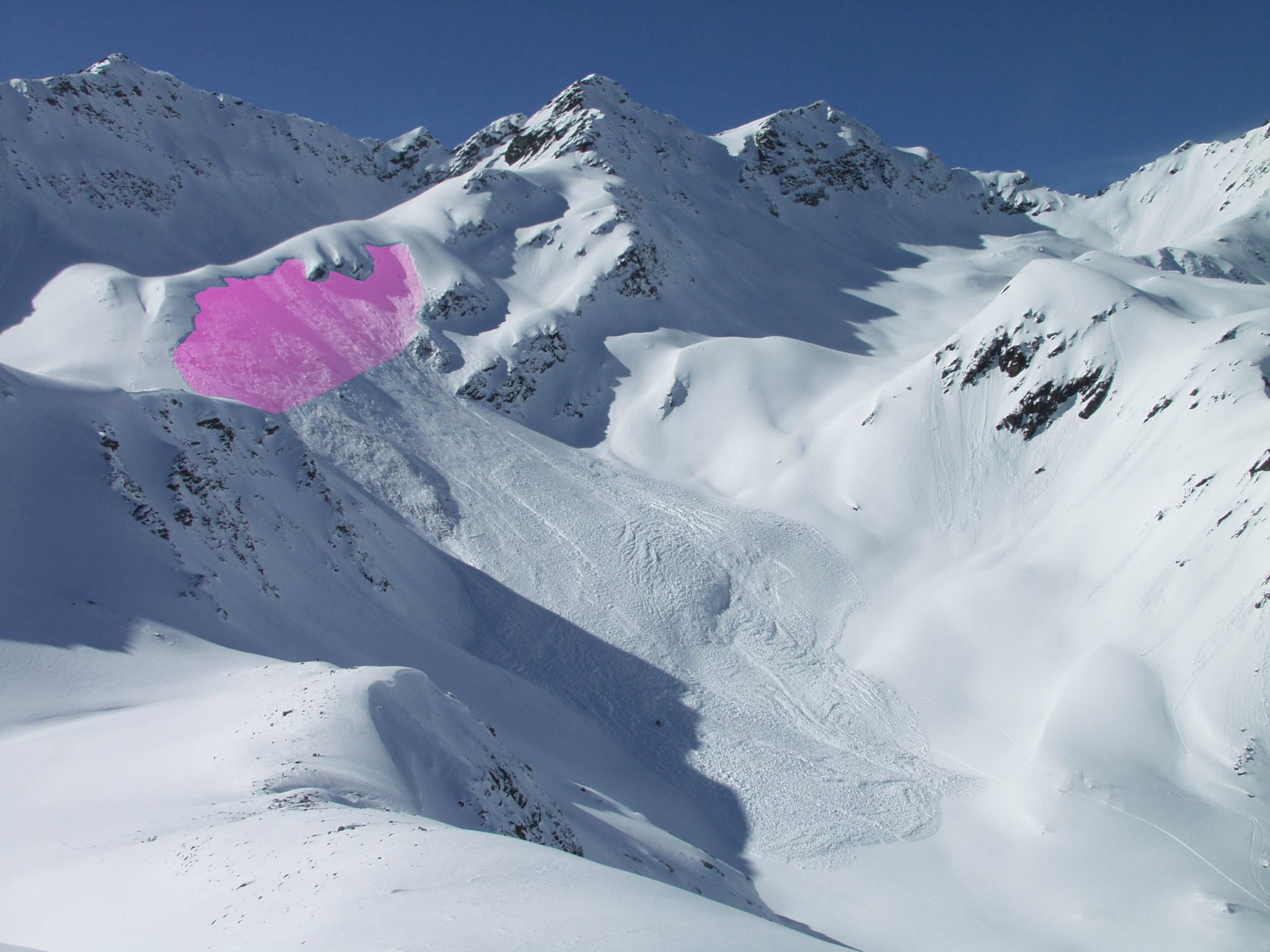 Glossary Starting zone 1, area marked in magenta © LWD Tirol | EAWS European Avalanche Warning Services