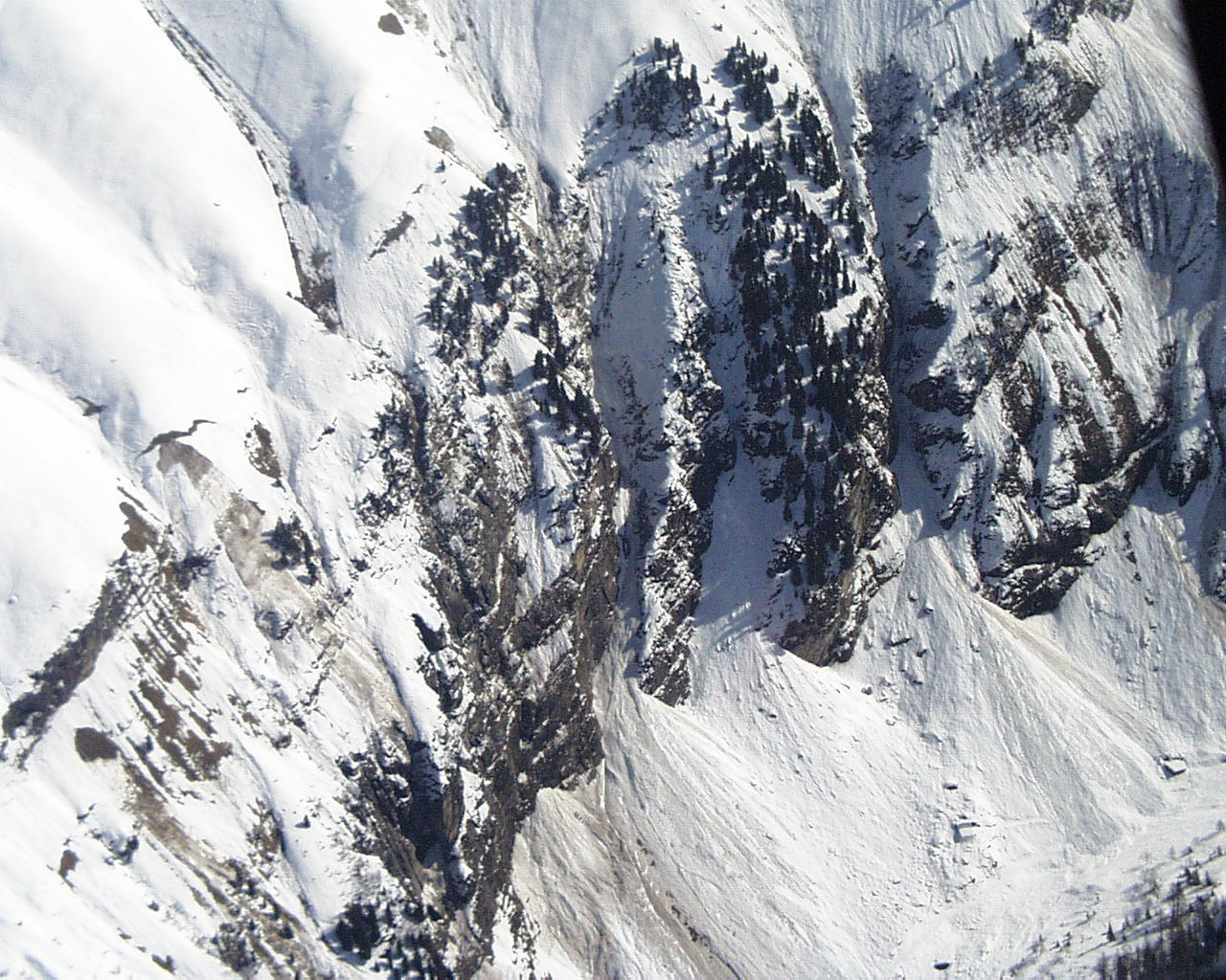 Glossary Exposed © LWD Tirol | EAWS European Avalanche Warning Services
