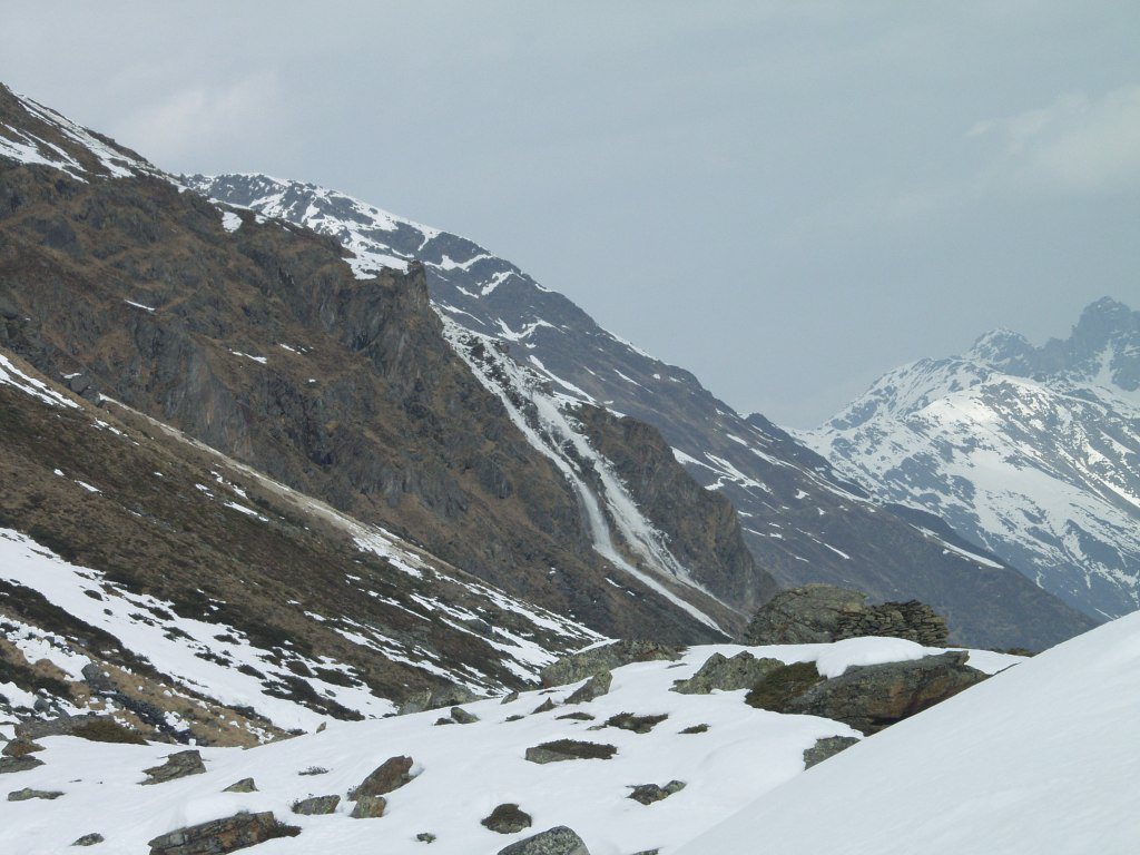 Glossary dense flow avalanche © LWD Tirol | EAWS European Avalanche Warning Services