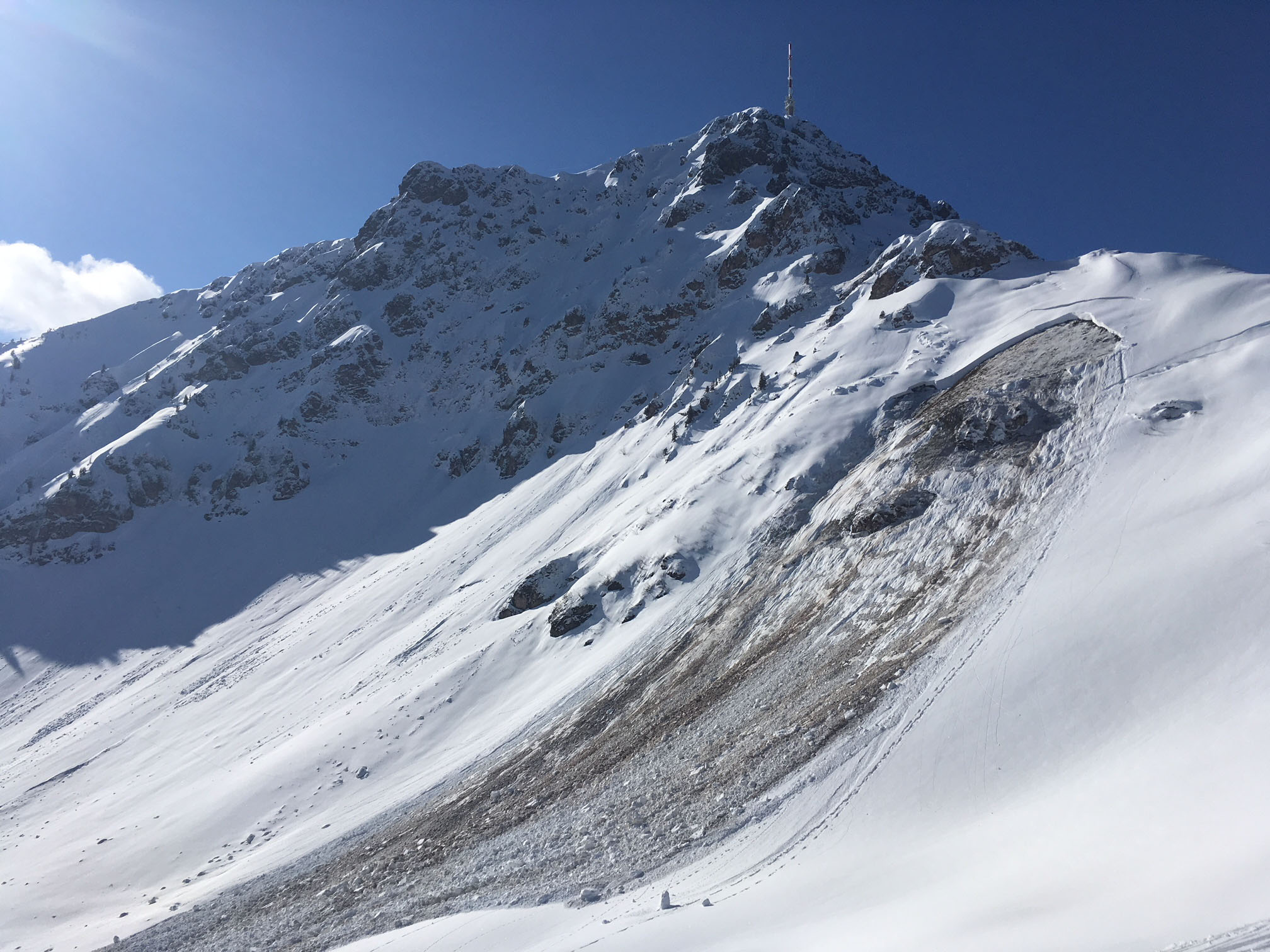 Glossary Gliding Avalanche © Michael Auckenthaler | EAWS European Avalanche Warning Services