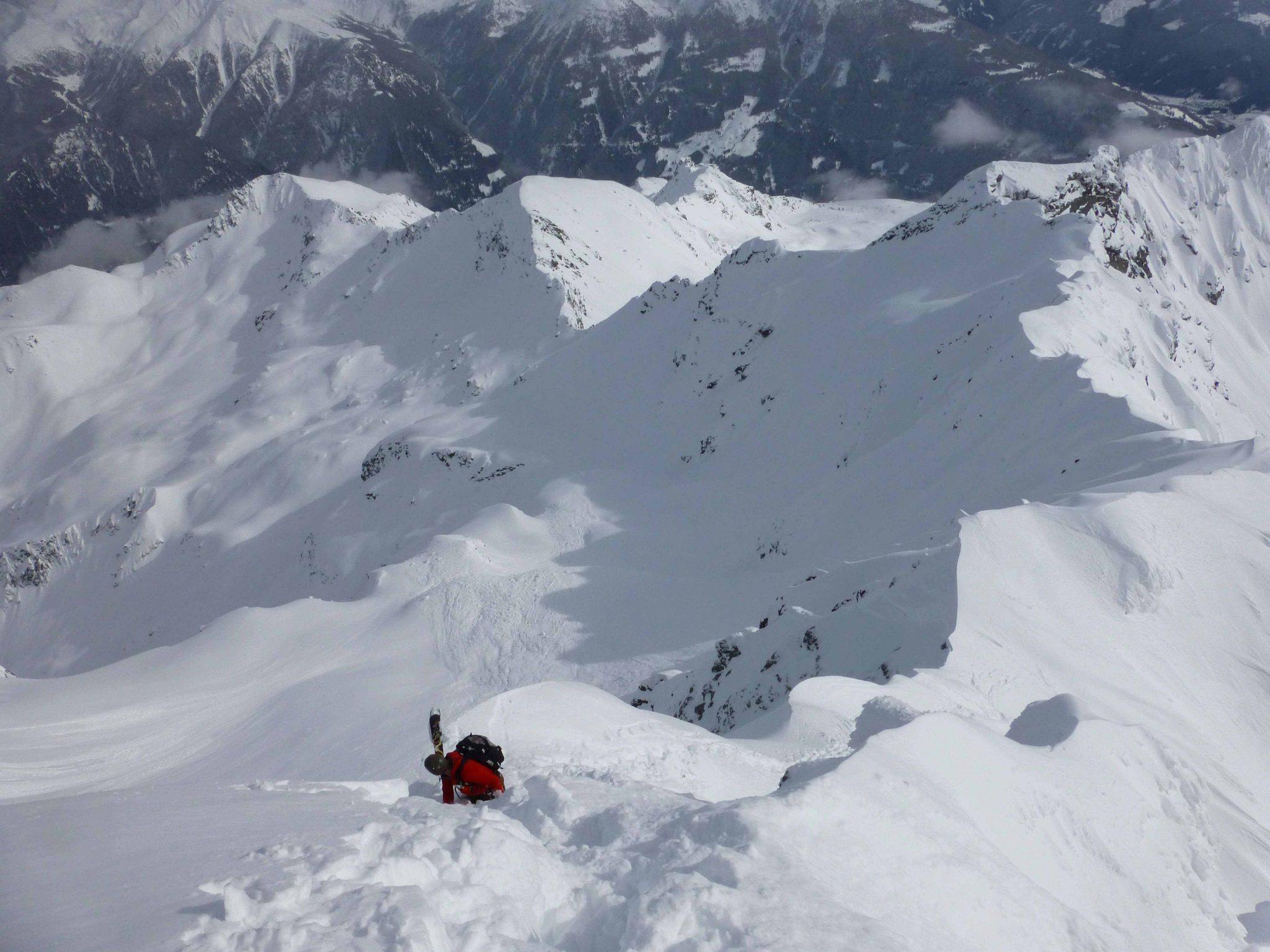 Glossary Ridgeline © Thomas Mariacher | EAWS European Avalanche Warning Services