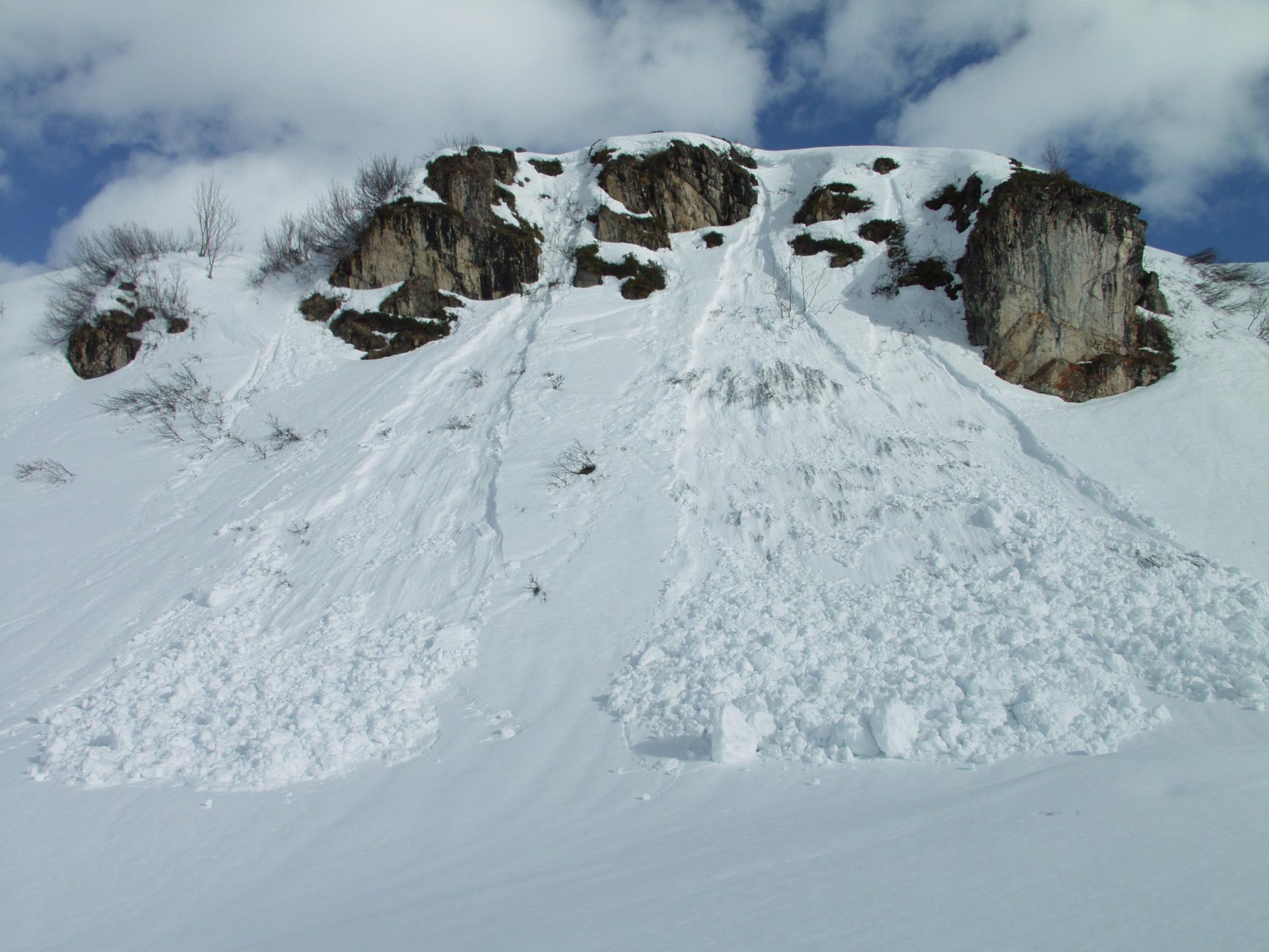 Glossary Loose-Snow-Avalanche © LWD Tirol | EAWS European Avalanche Warning Services