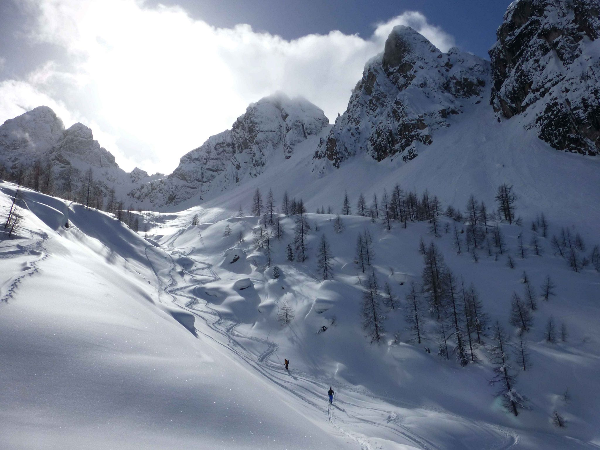 Glossary Bowl © Thomas Mariacher | EAWS European Avalanche Warning Services