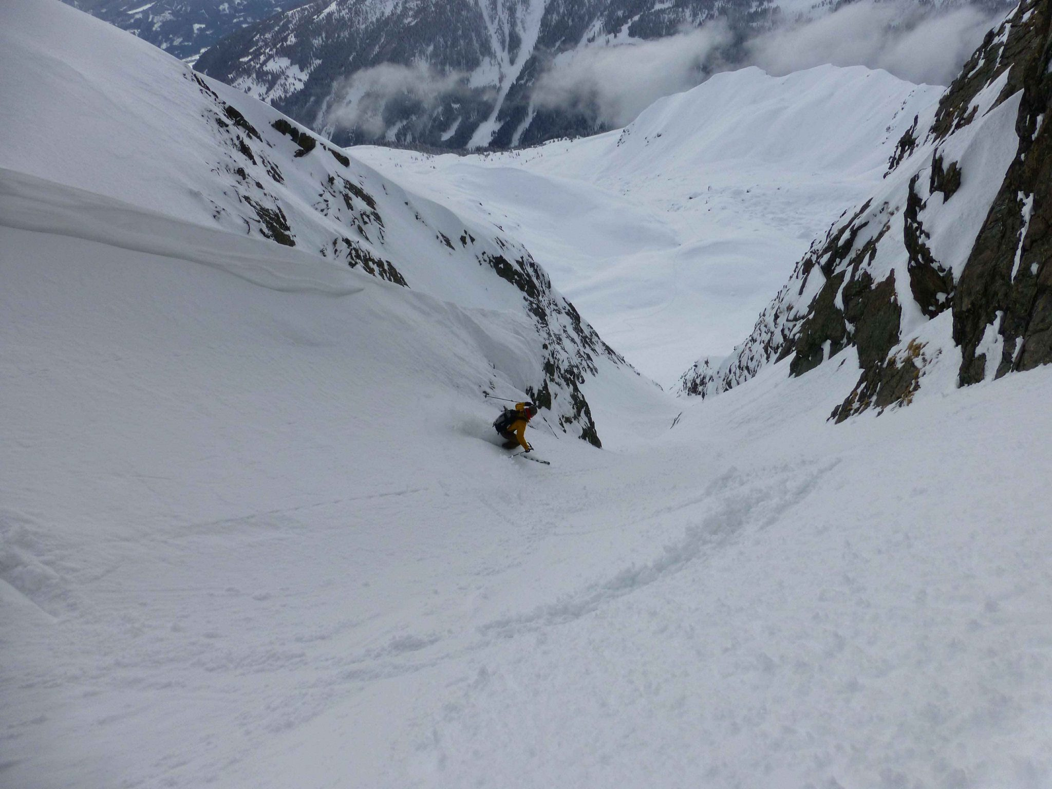 Glossary Gully © Thomas Mariacher | EAWS European Avalanche Warning Services