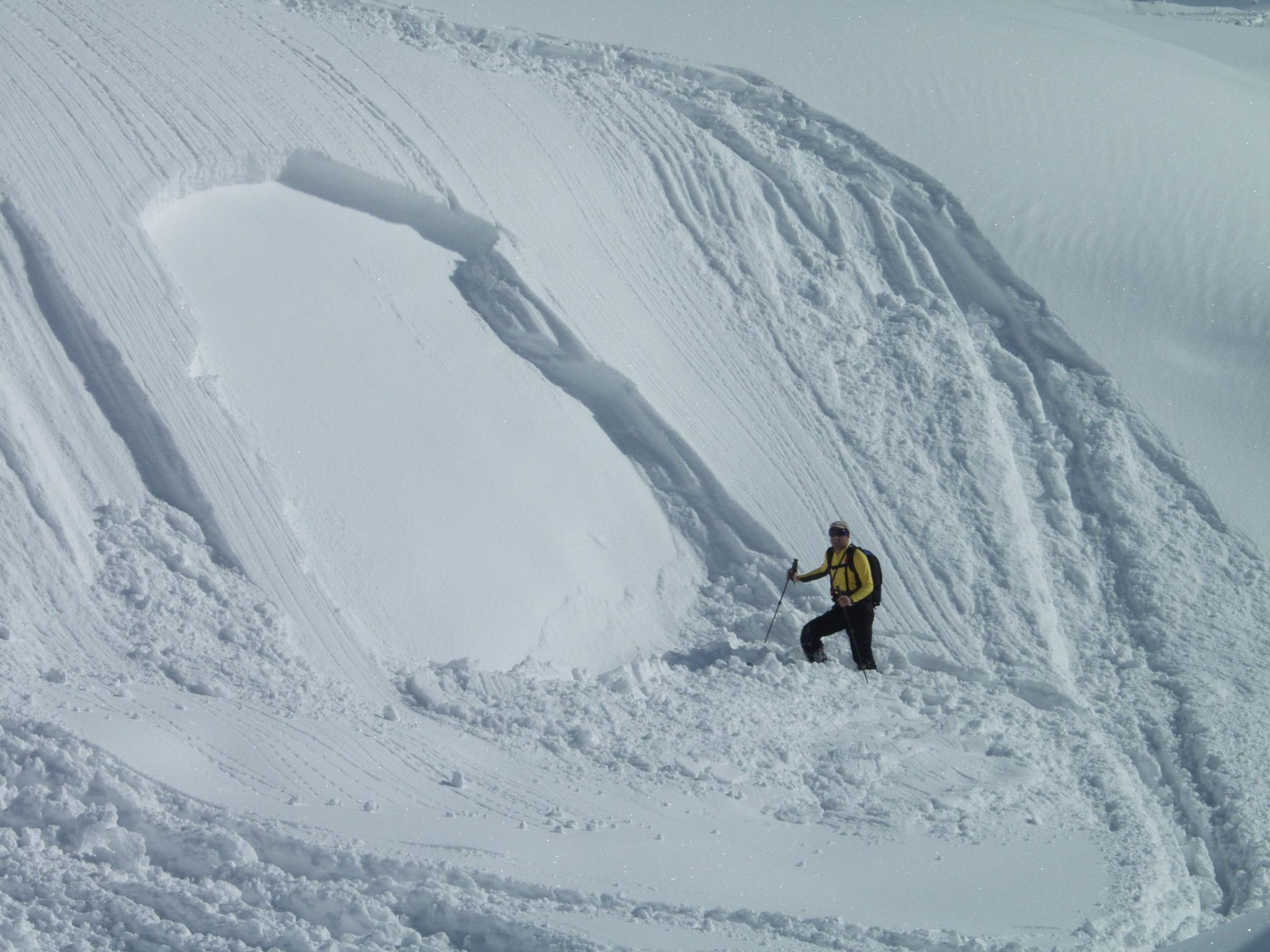 Glossary Avalanche Size, size 1: small avalanche © LWD Tirol | EAWS European Avalanche Warning Services
