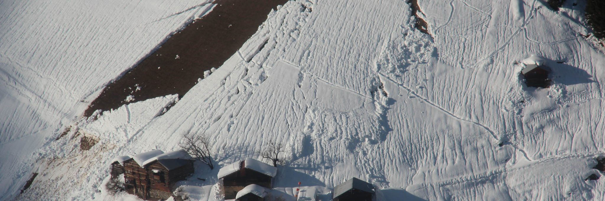 Glossary dp2 - gliding snow © LWD Tirol | EAWS European Avalanche Warning Services