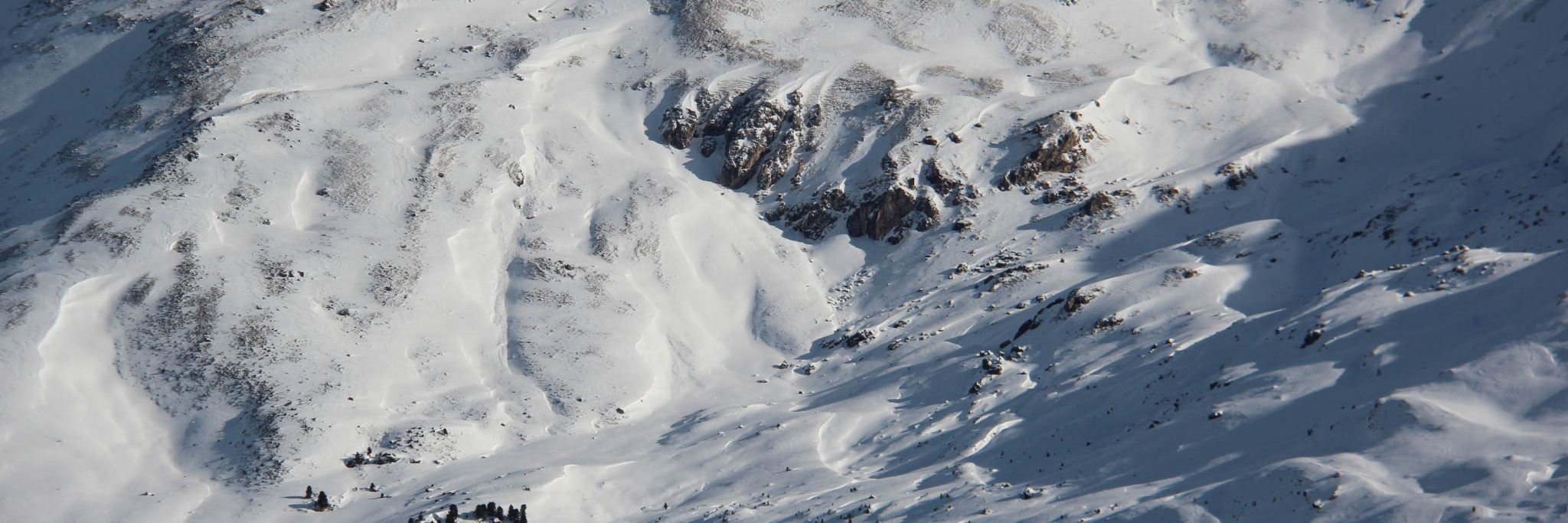 Glossary dp7 - shallow snow next to deep snow © LWD Tirol | EAWS European Avalanche Warning Services